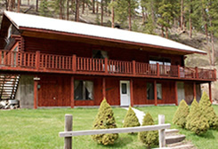 Twisp River Inn in the summer